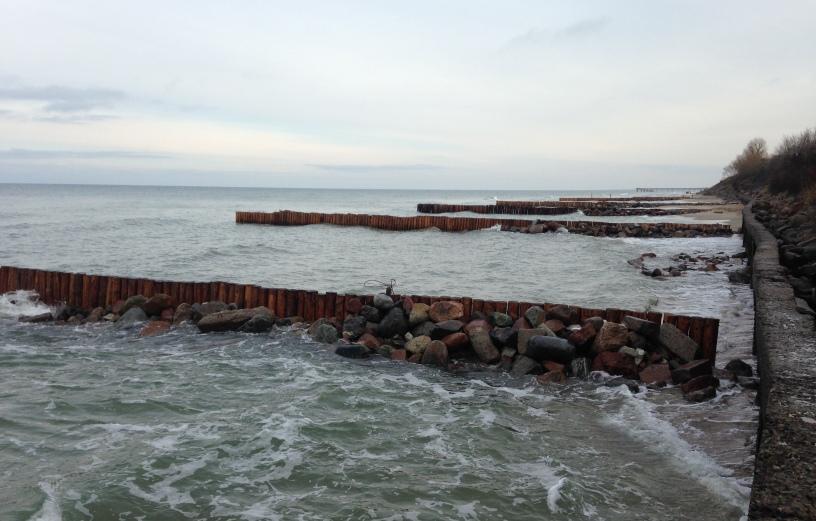 Зеленоградская администрация спасла исчезающий городской берег